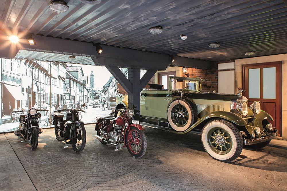 Autos und Motorräder im PS-Speicher in Einbeck