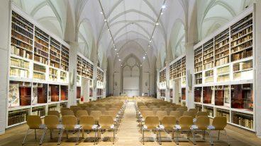 Historisches Gebäude der SUB Göttingen Paulinerkirche